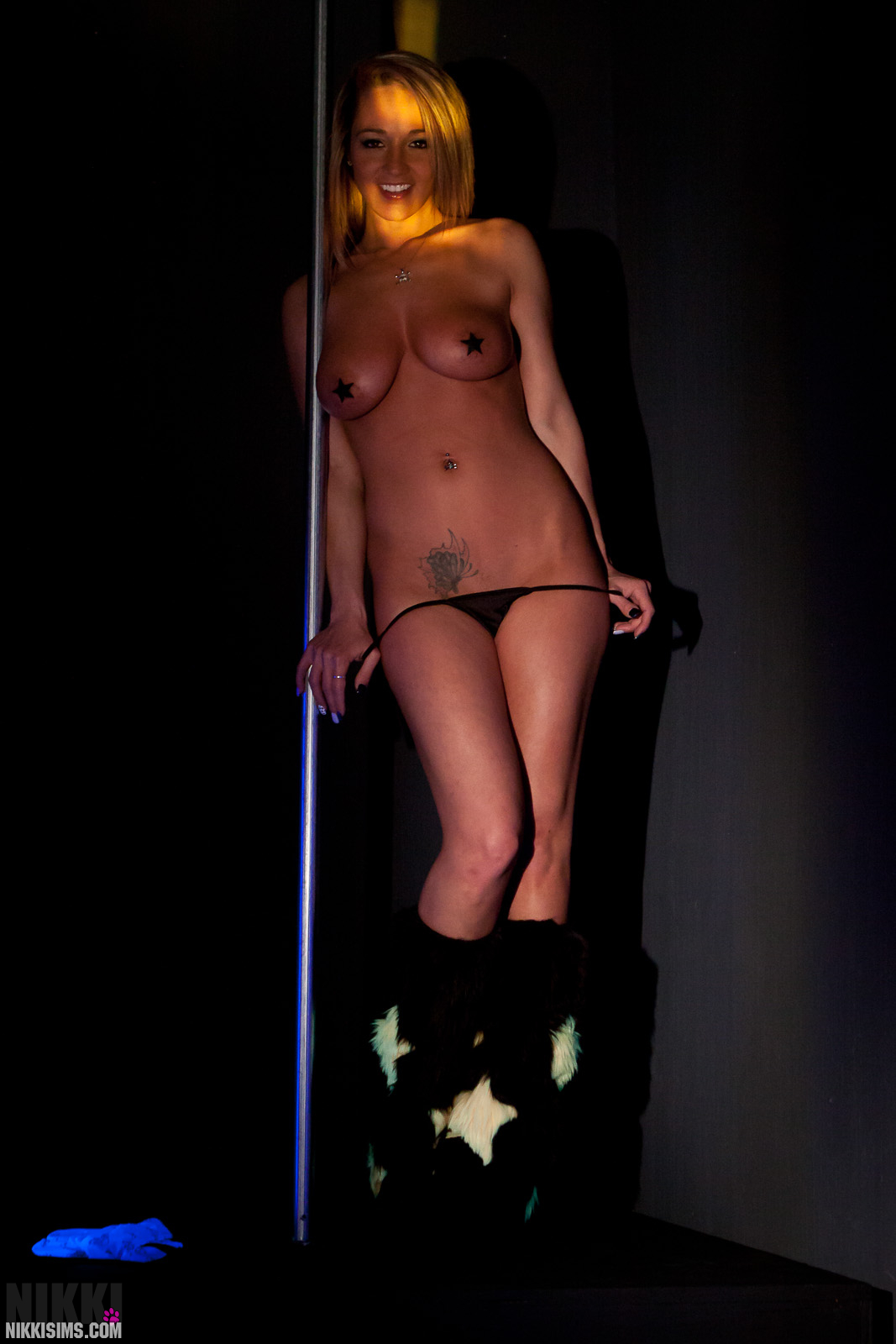 Black light stripper